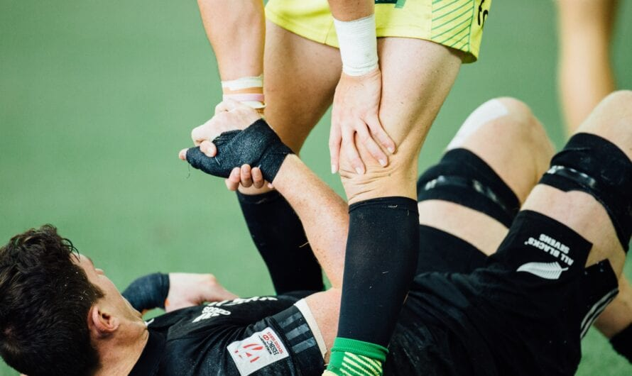 The Ultimate Guide to Avoid Sports Injuries When Playing